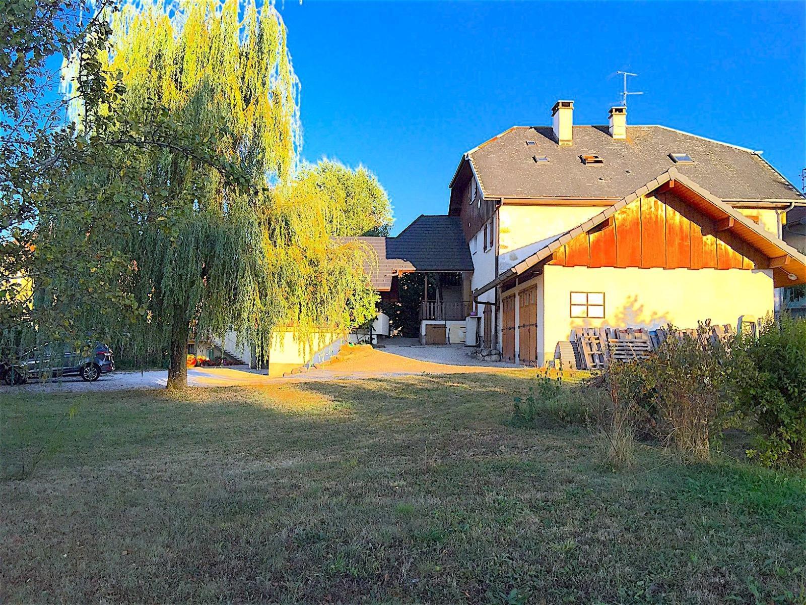 Annecy sud, grande maison d'habitation