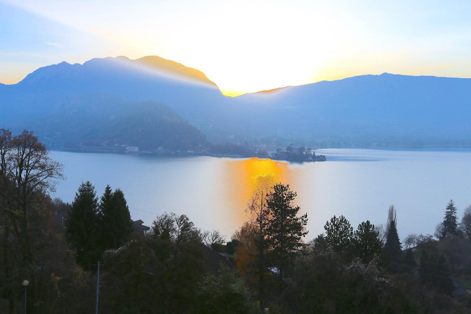 6242-TALLOIRES T3 vue lac