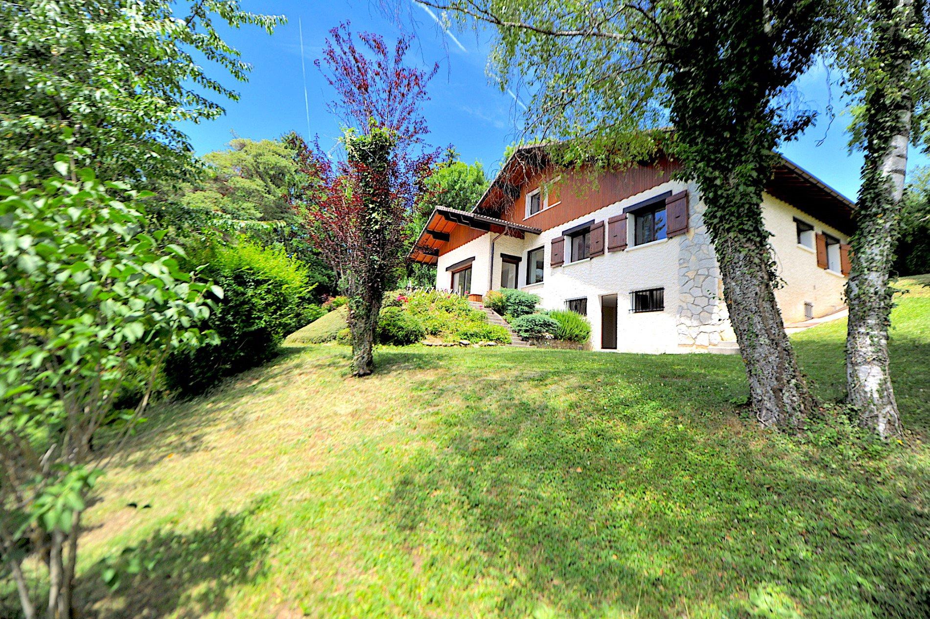 P648. Argonay, magnifique maison d'architecte
