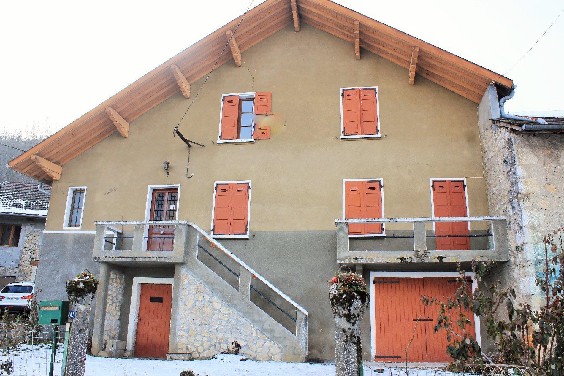 V666 - Seyssel, Maison à rénover 100m²