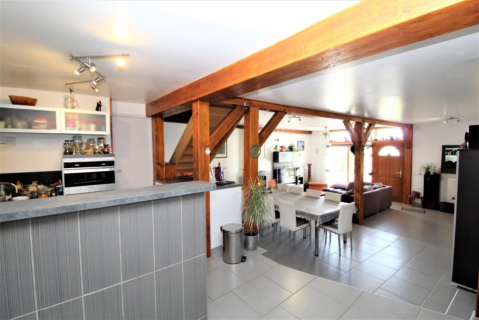 V716 Ferrieres maison de village