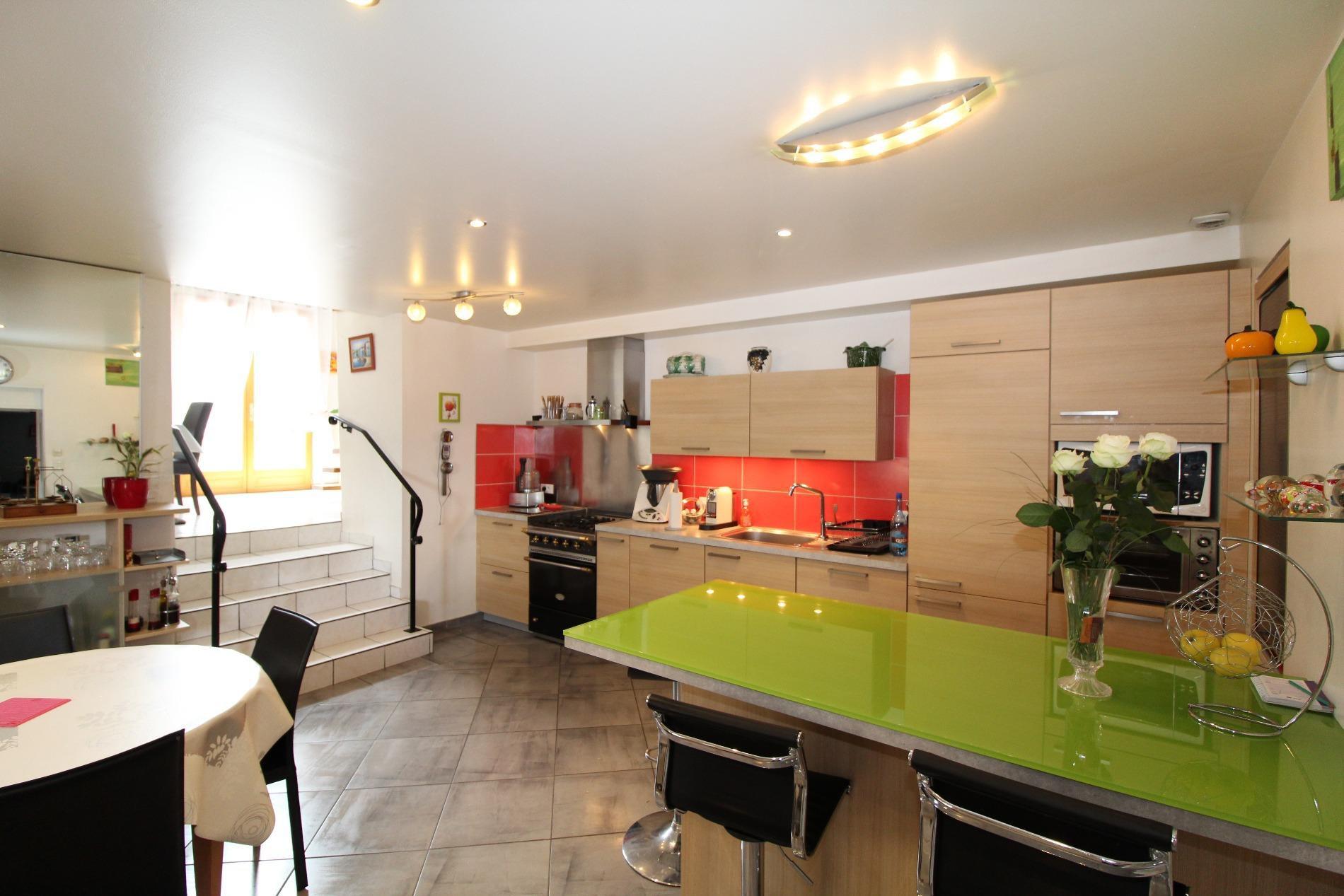 V750- Annecy Nord, appartement dans corps de ferme
