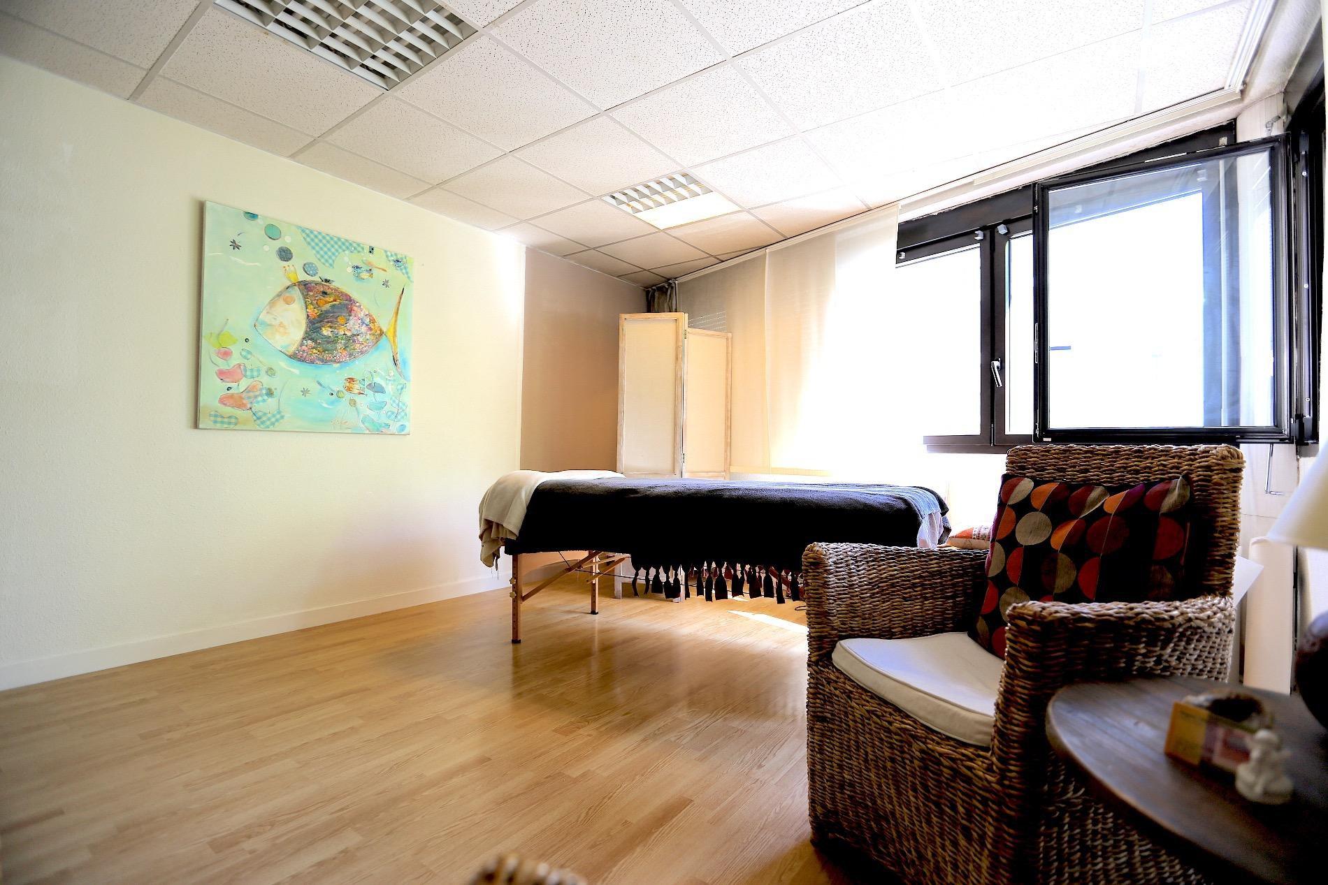 A773- ANNECY- Appartement 105 m2 transformé en local commercial