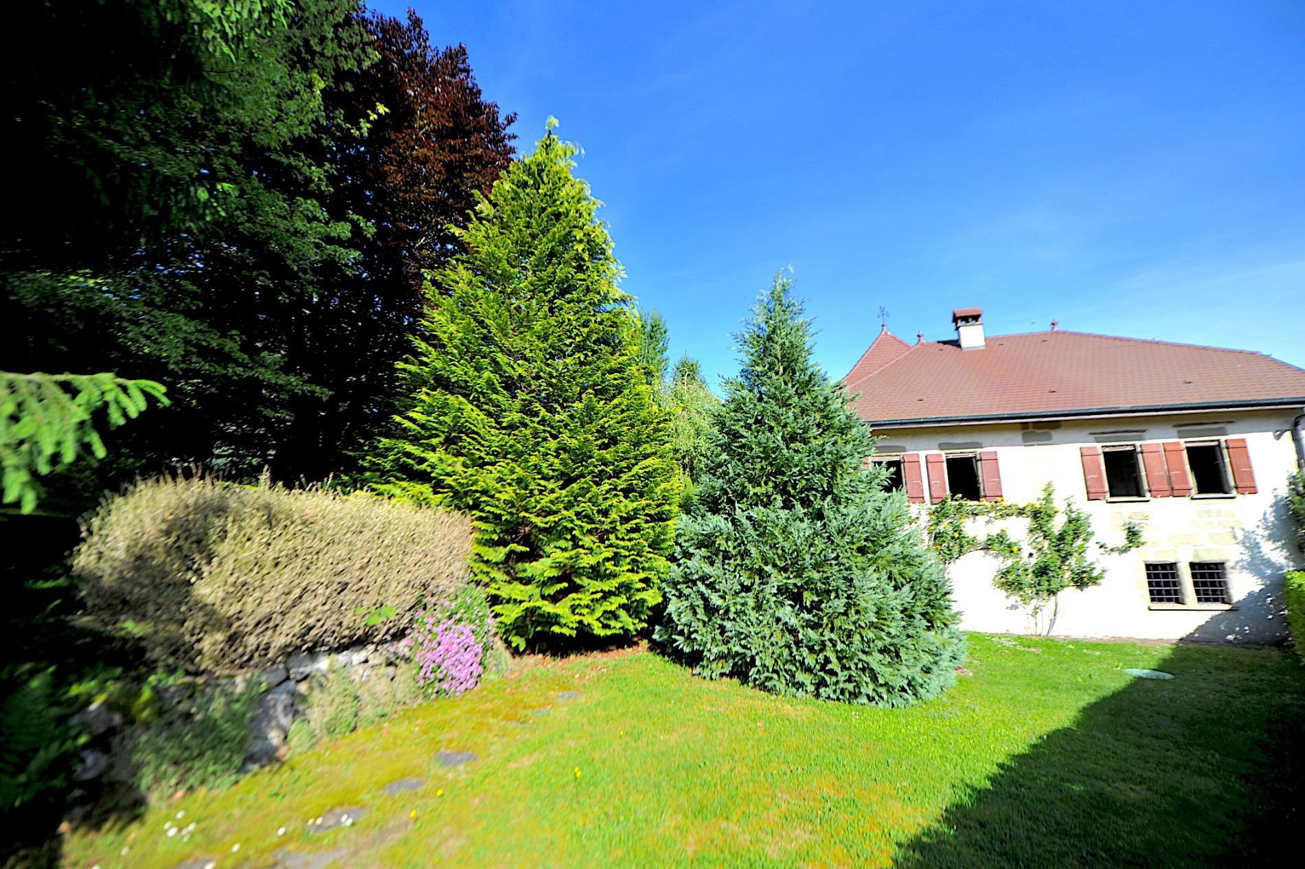 P795- A proximité d'Annecy, magnifique propriété rénovée