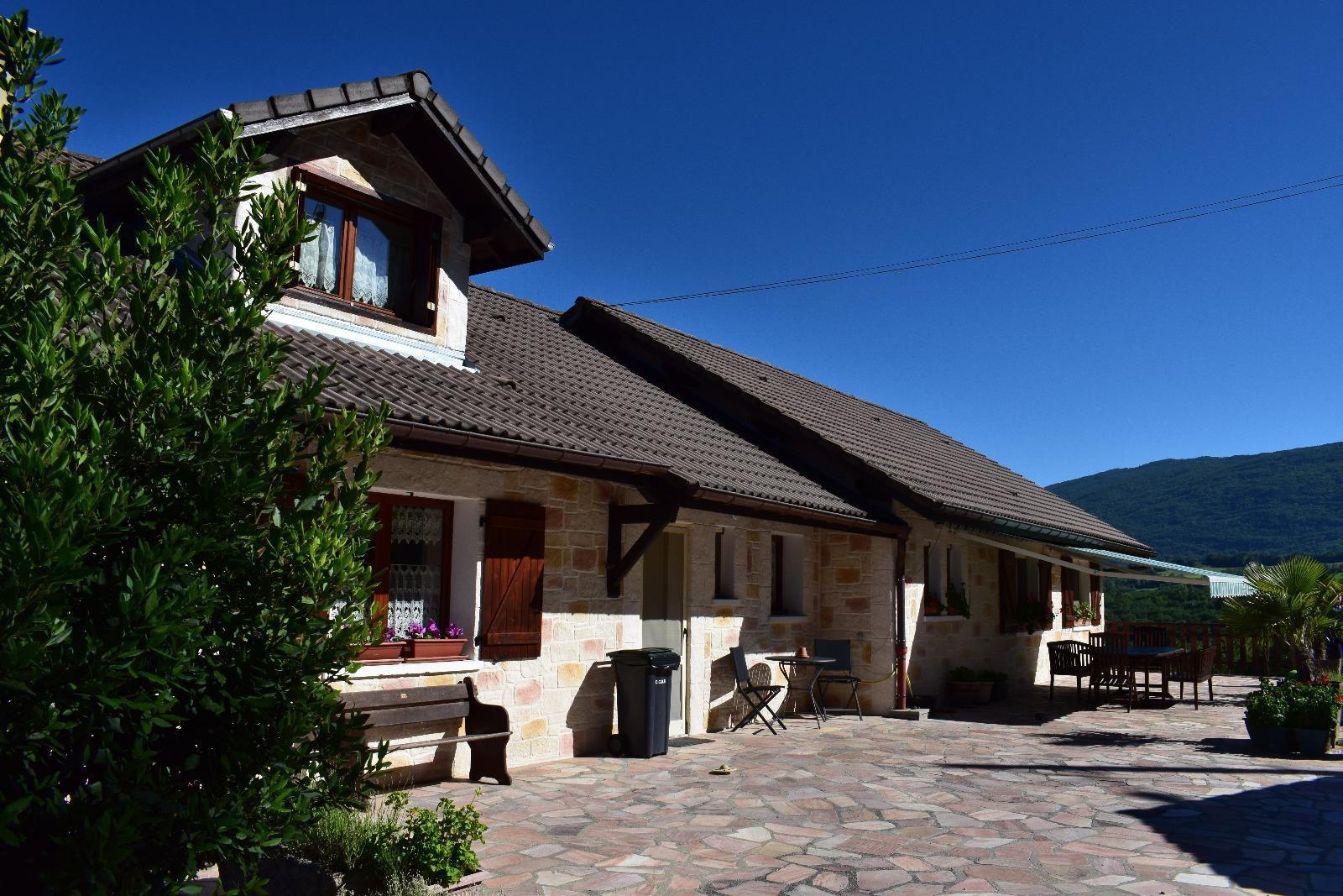 Maison T5 à Surjoux