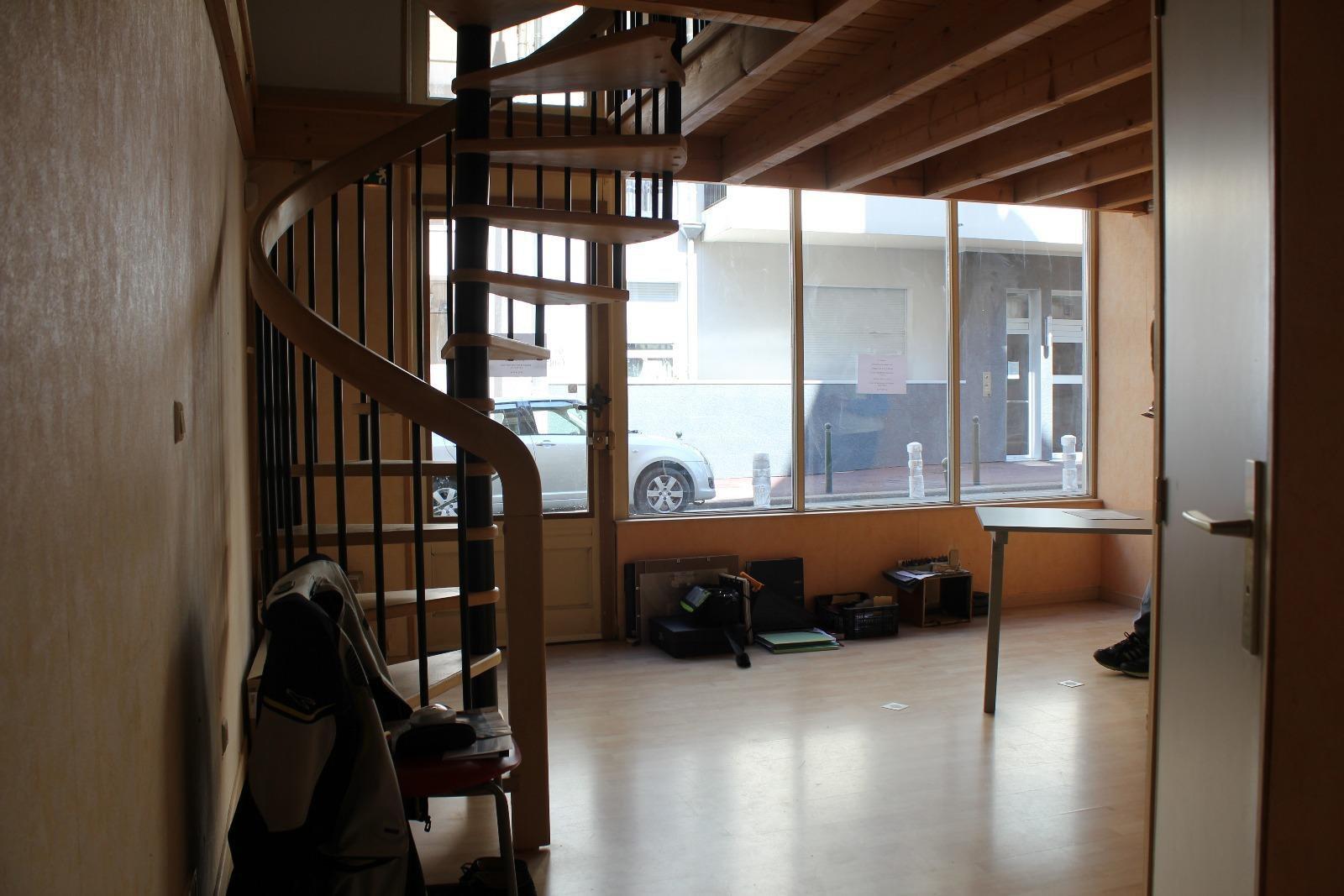 L777 - Aix les bains Hyper Centre - Local commercial 48m² avec cave et garage