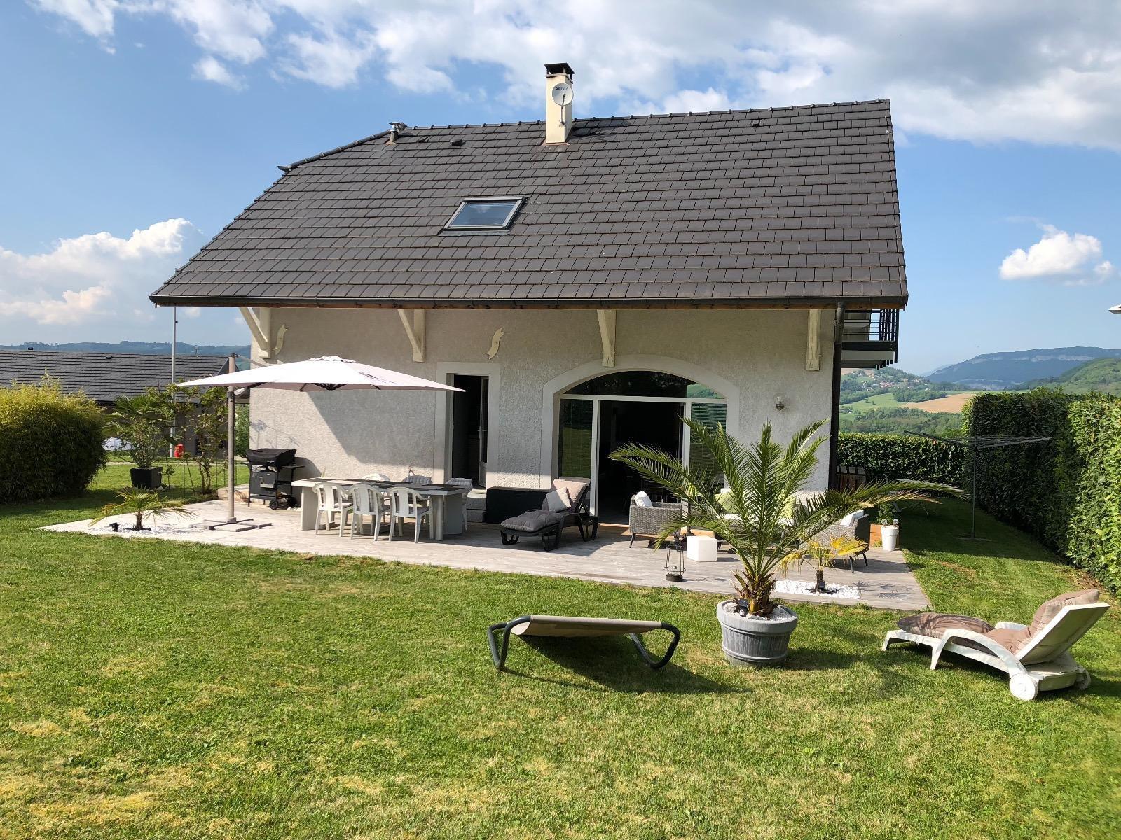 Annecy Sud, Etercy, maison de charme entièrement rénovée