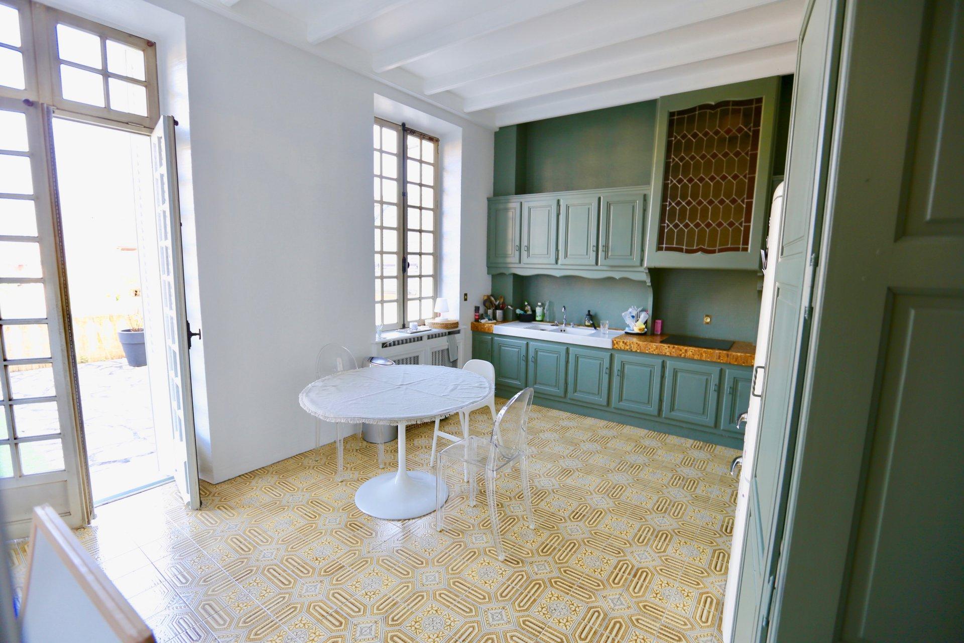 Aix les Bains, au coeur du centre-ville, magnifique Hôtel Particulier d'exception
