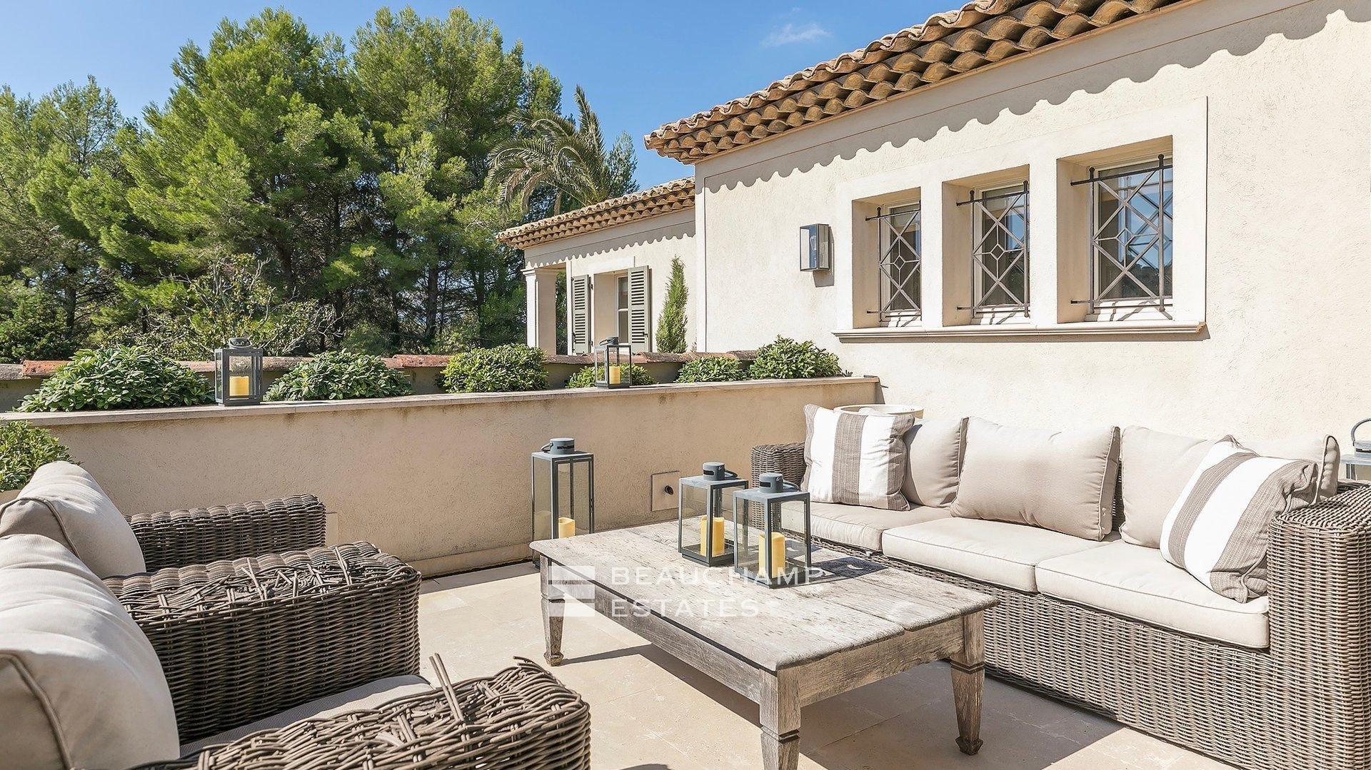 Mougins - Magnifique Mas Provençal de 6 Chambres