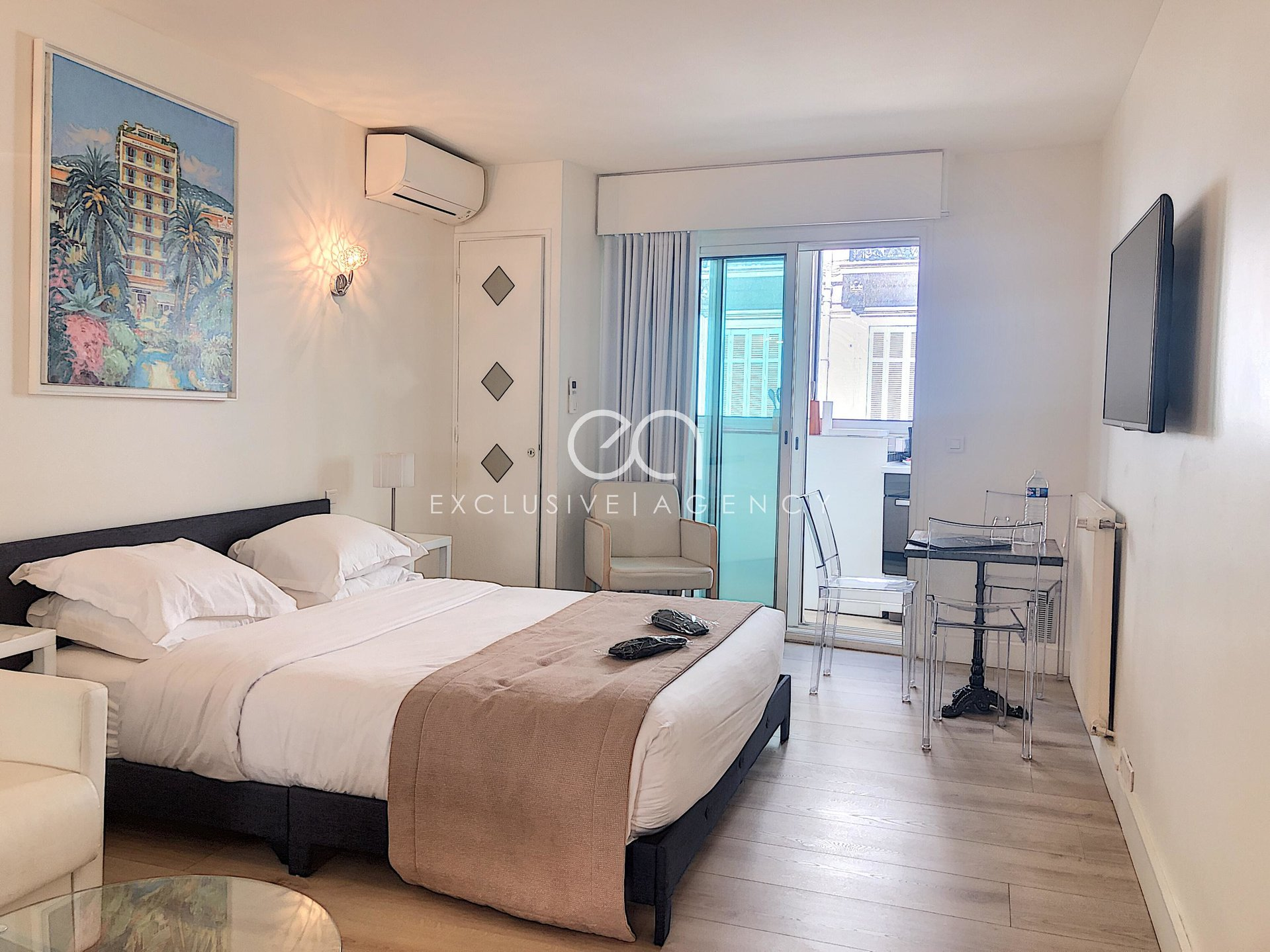 For sale Cannes near Grand Hotel and rue d'Antibes 26sqm studio