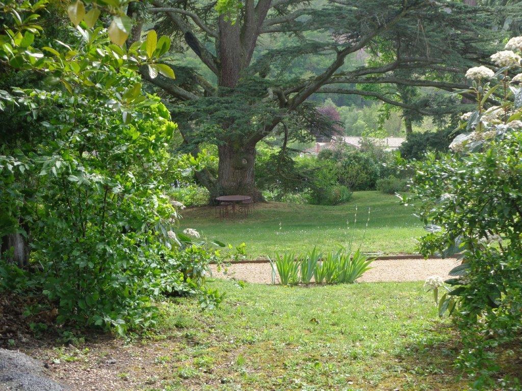 Propriété en Beaujolais dans un parc