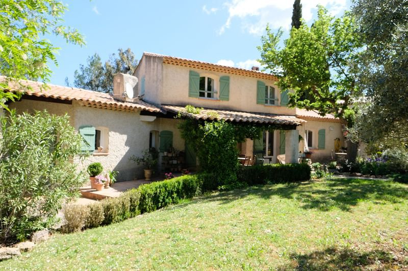 House 4 bedrooms, gite, double garage, pool