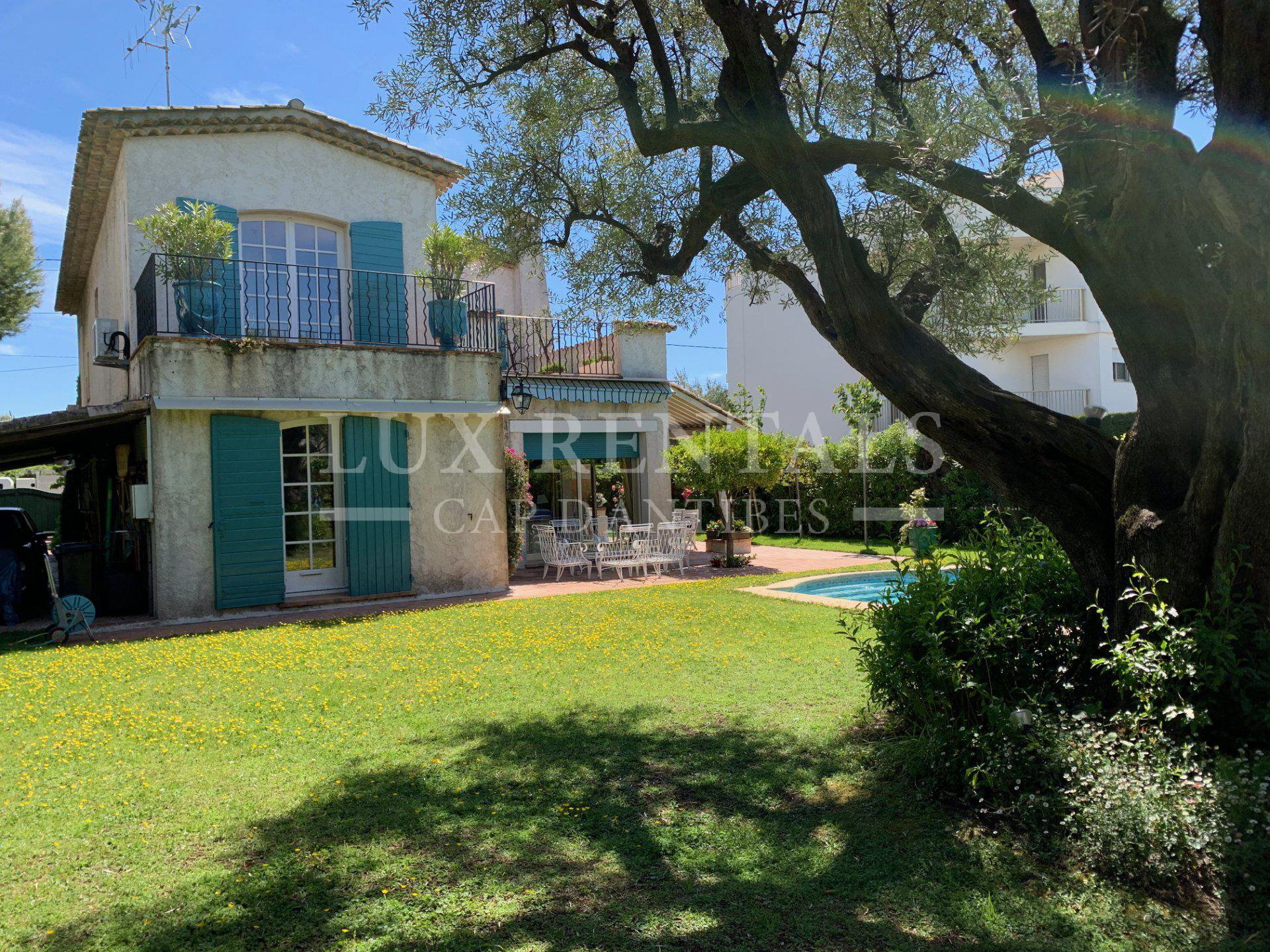 Location saisonnière Villa - Juan-les-Pins