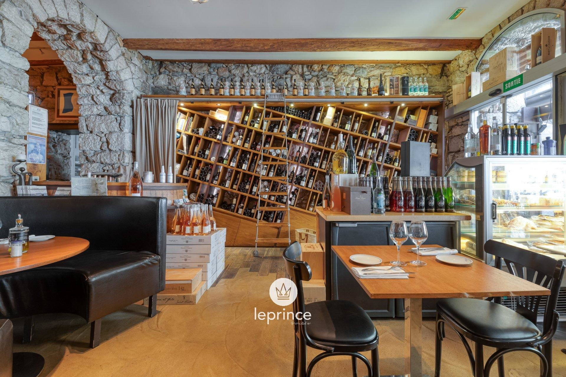 Nice Wilson - Restaurant and Wine Cellar - Commercial Fund