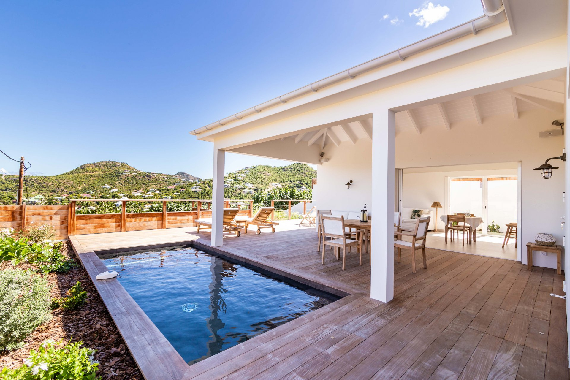 VILLA CONTEMPORAINE AVEC PISCINE - SAINT BARTH