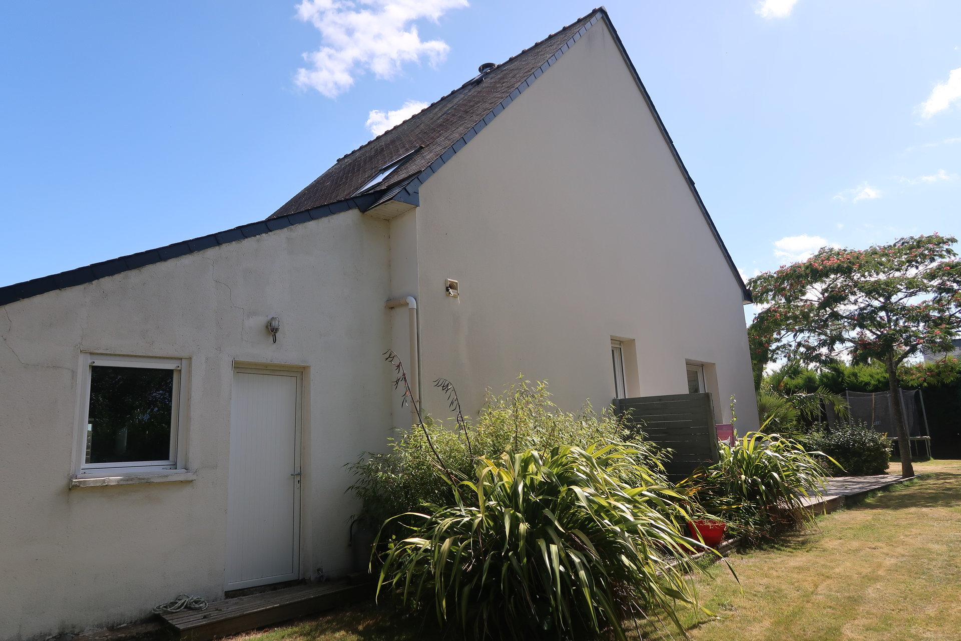 Sale House - Locoal Mendon