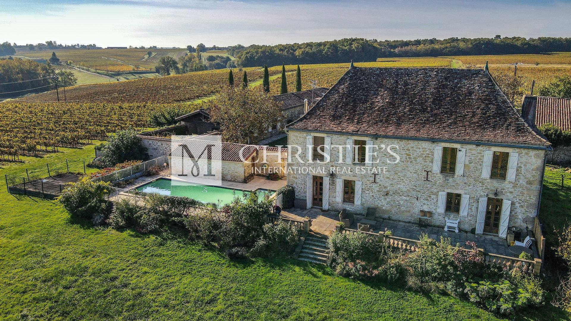 Entre-deux-Mers - Manor house with swimming pool and lovely views