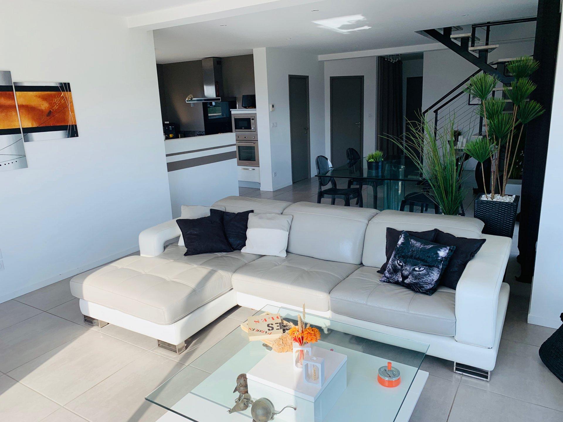 Villa récente 140 M2 sur terrain d'environ 1000M2