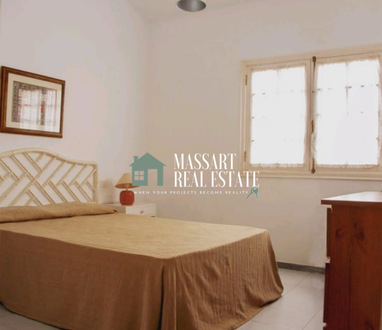 For long term rent in El Médano, in the Residencial El Balancón, practical apartment of 70 m2.