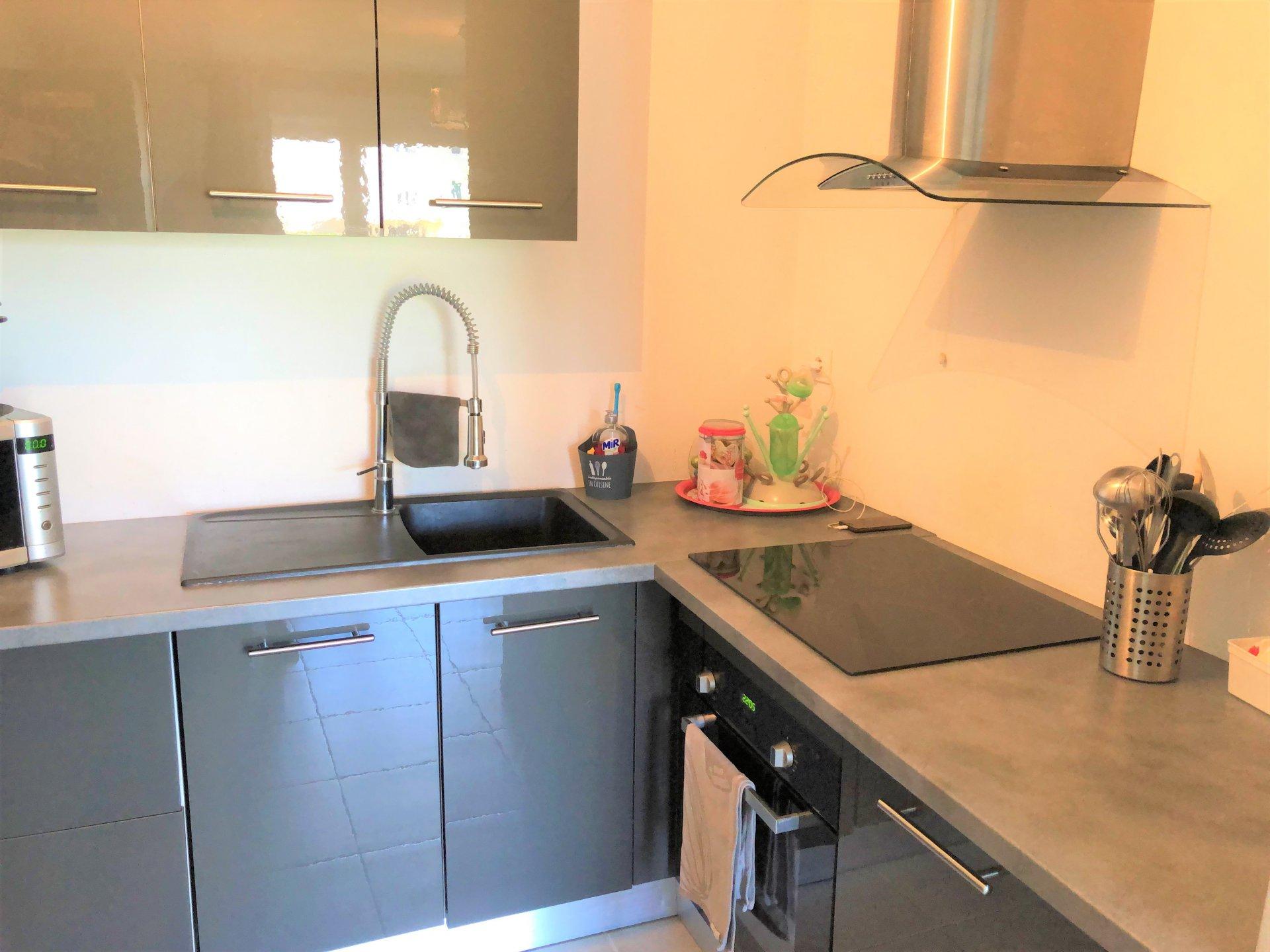 Plans de Carros  (06510) - appartement 2 pièces - RDJ
