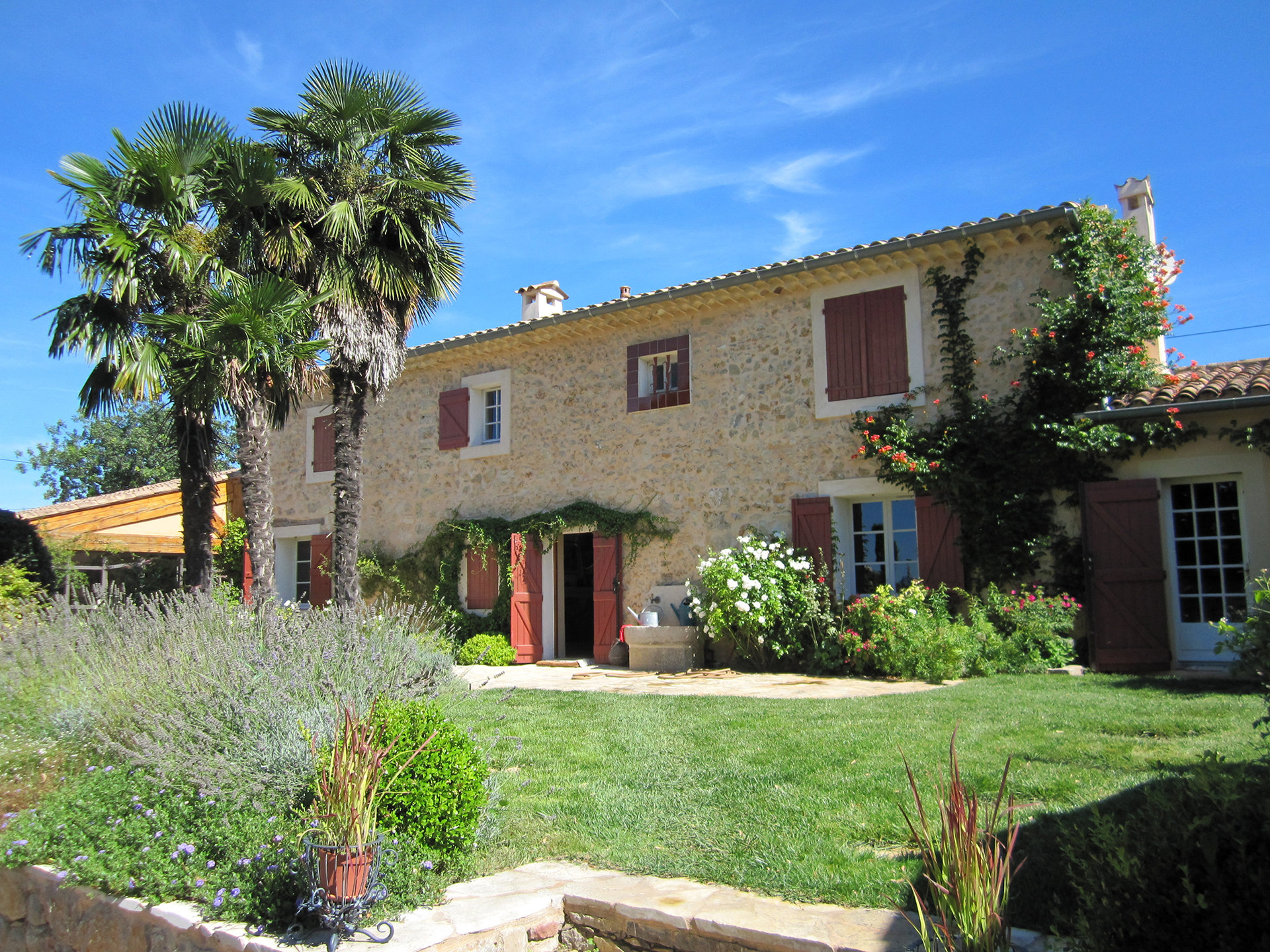 Stone Mas Cotignac 3 bedroom house + guesthouse swimmingpool, olive grove, beautiful views