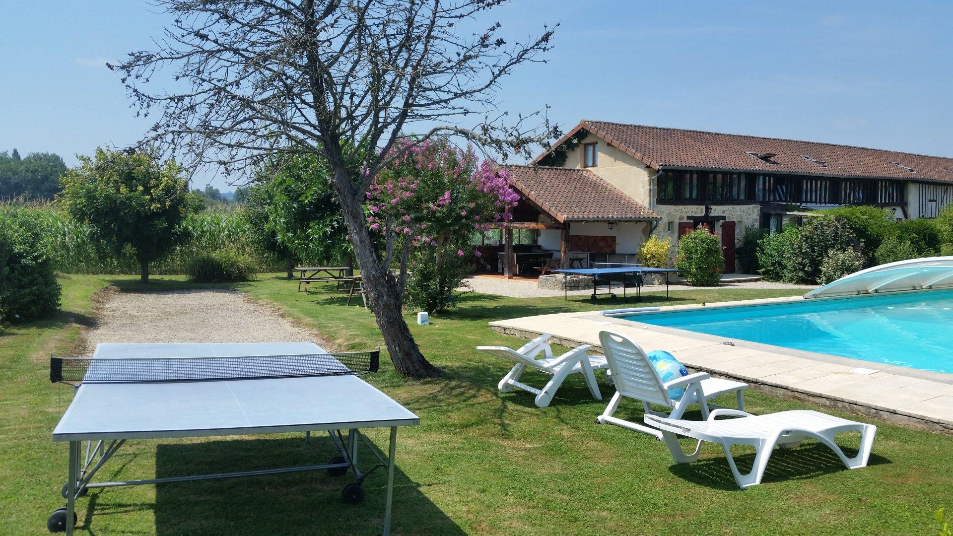 Ancienne Ferme avec 5 gites et piscine près de Marciac - Gers