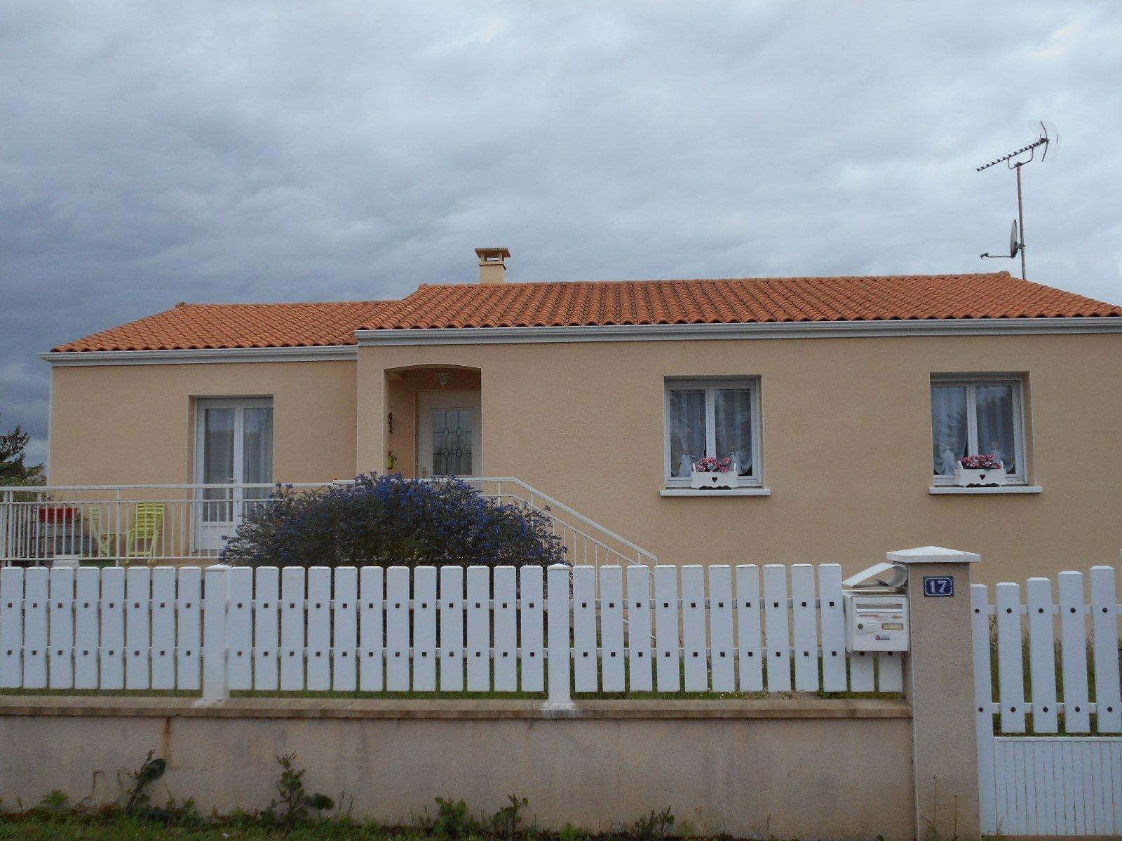 Sale House - Sainte-Radegonde