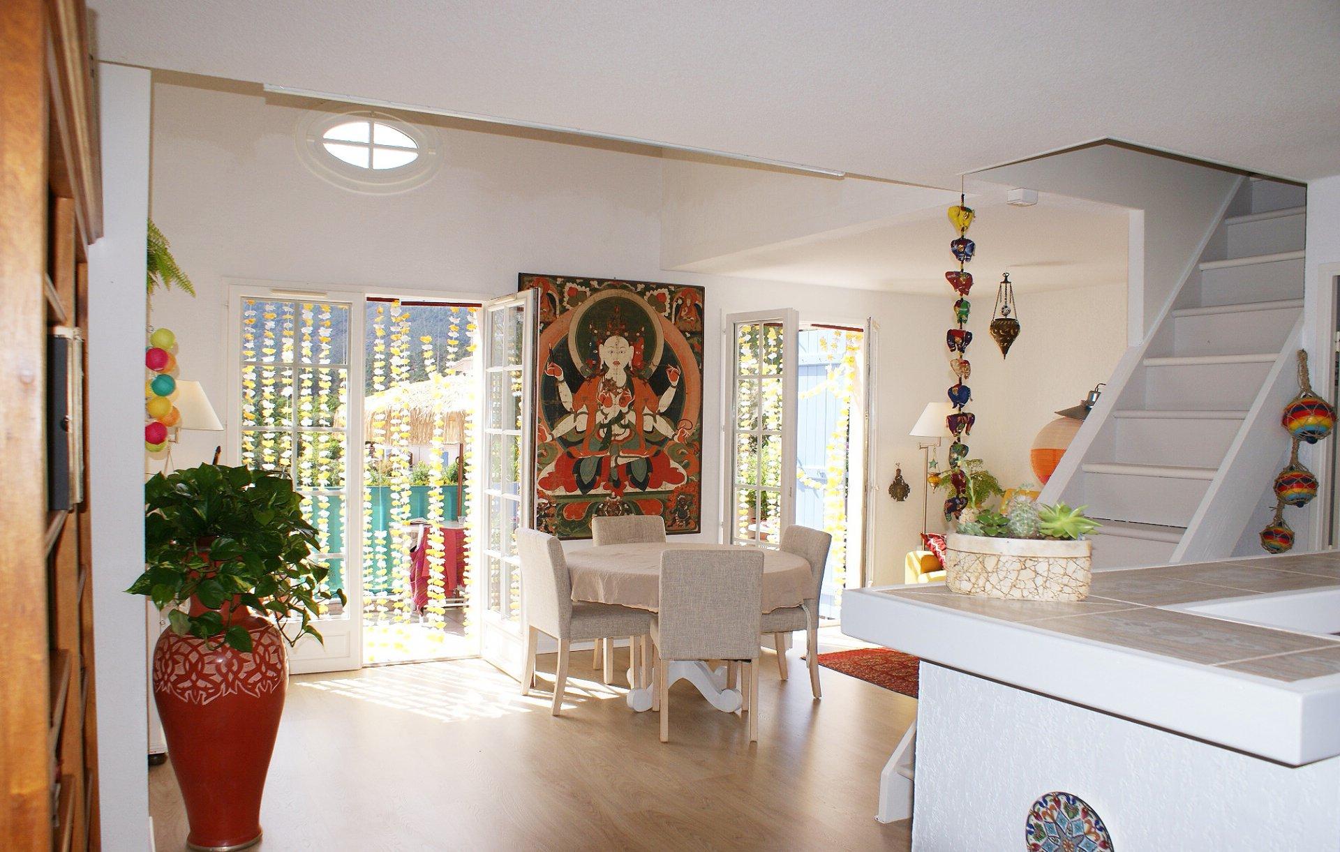 Belle appartement avec grande mezzanine, vue mer