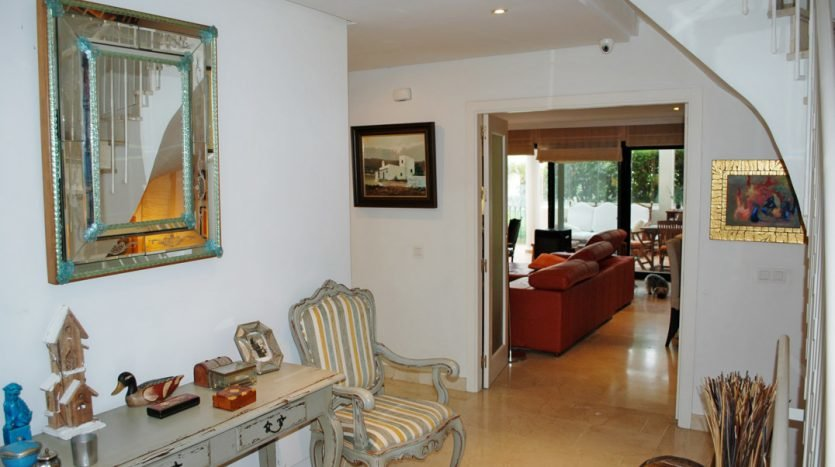 Large semi-detached house in Atalaya