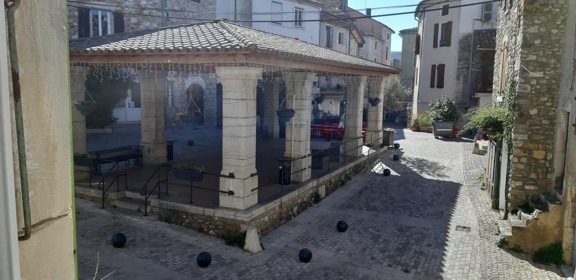 Maison pierre avec terrasse vallon pt d'Arc