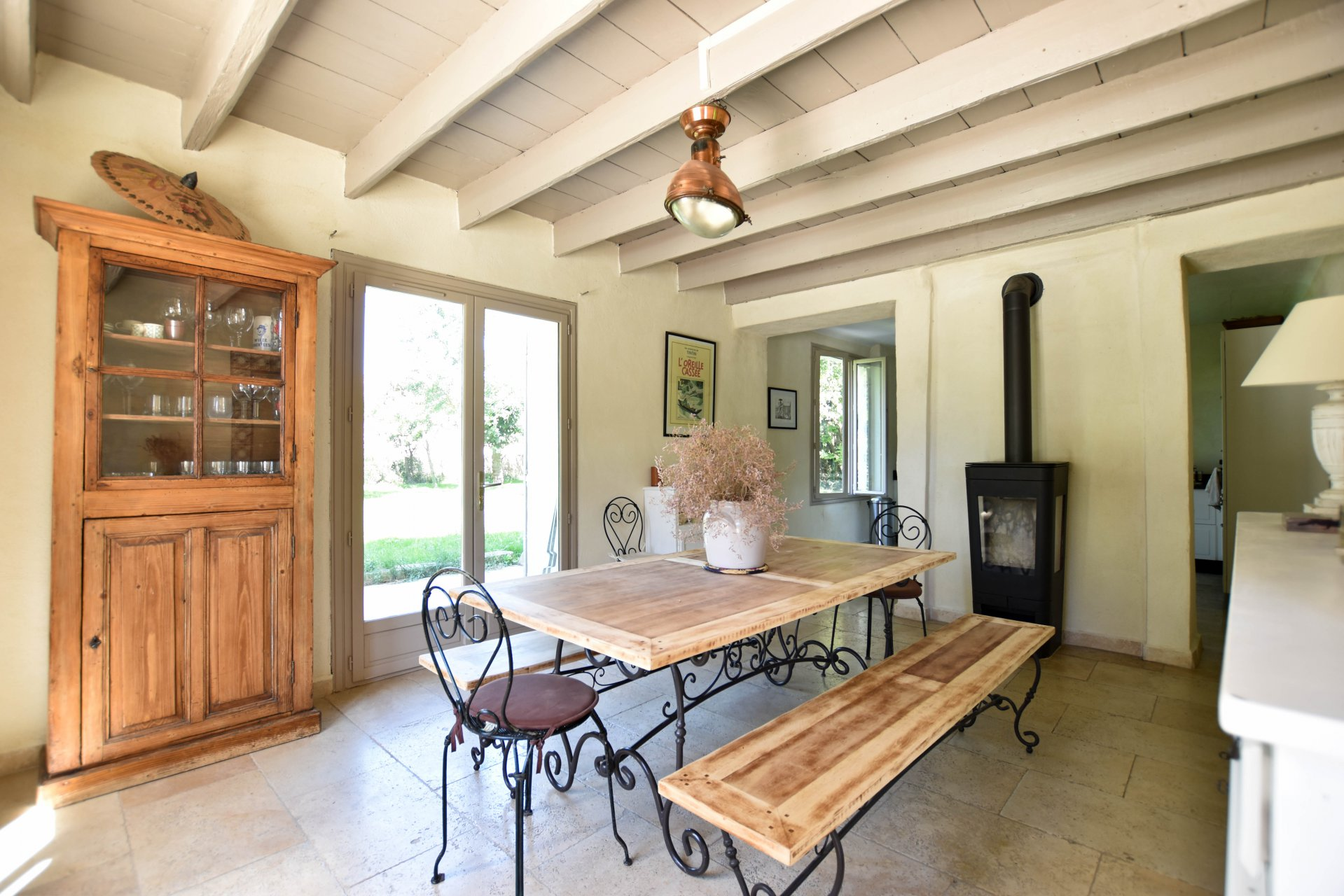 For sale - Renovated 4 bedroom farmhouse close to Arles and Alpilles