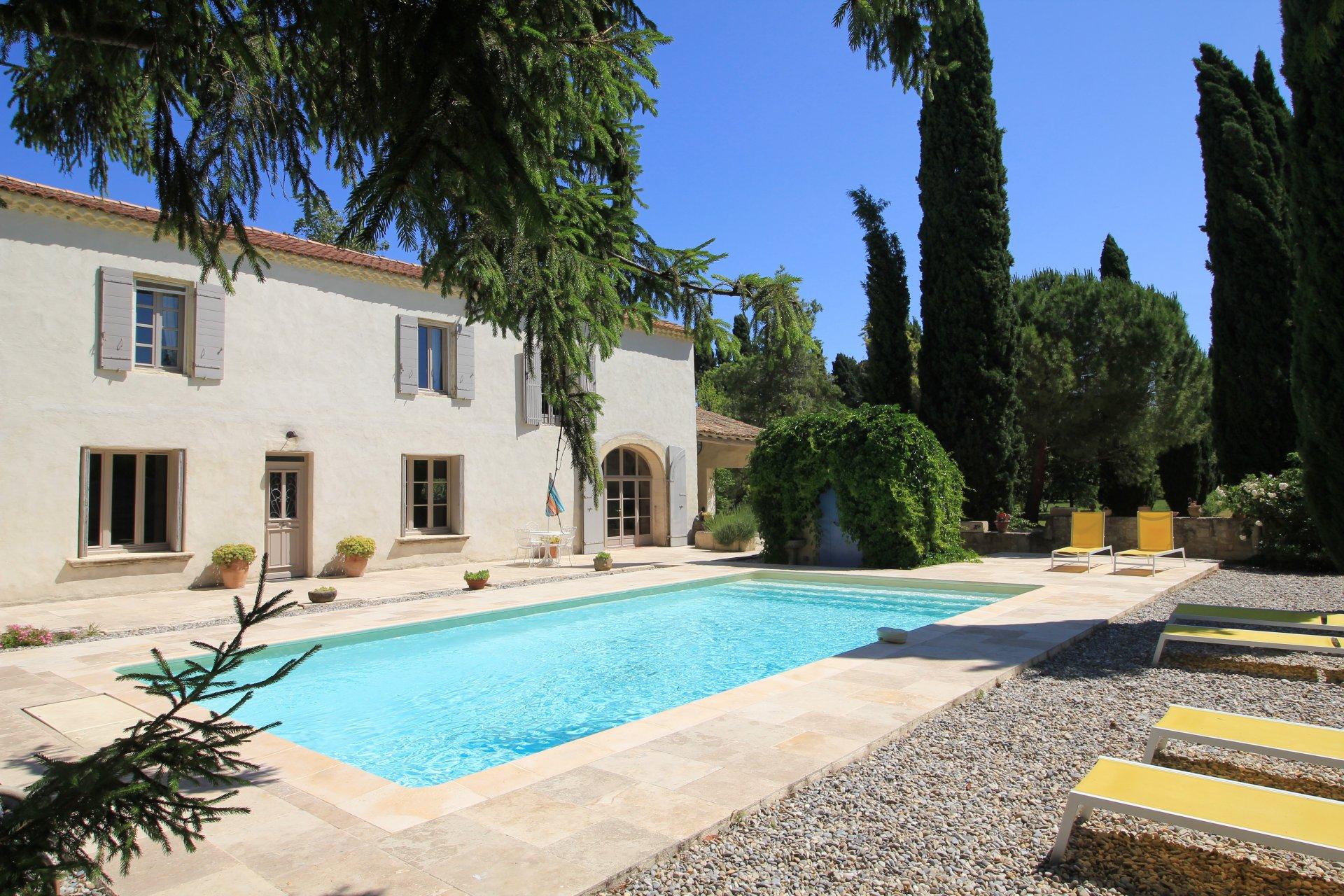Vente Mas 4 chambres et piscine proche Alpilles