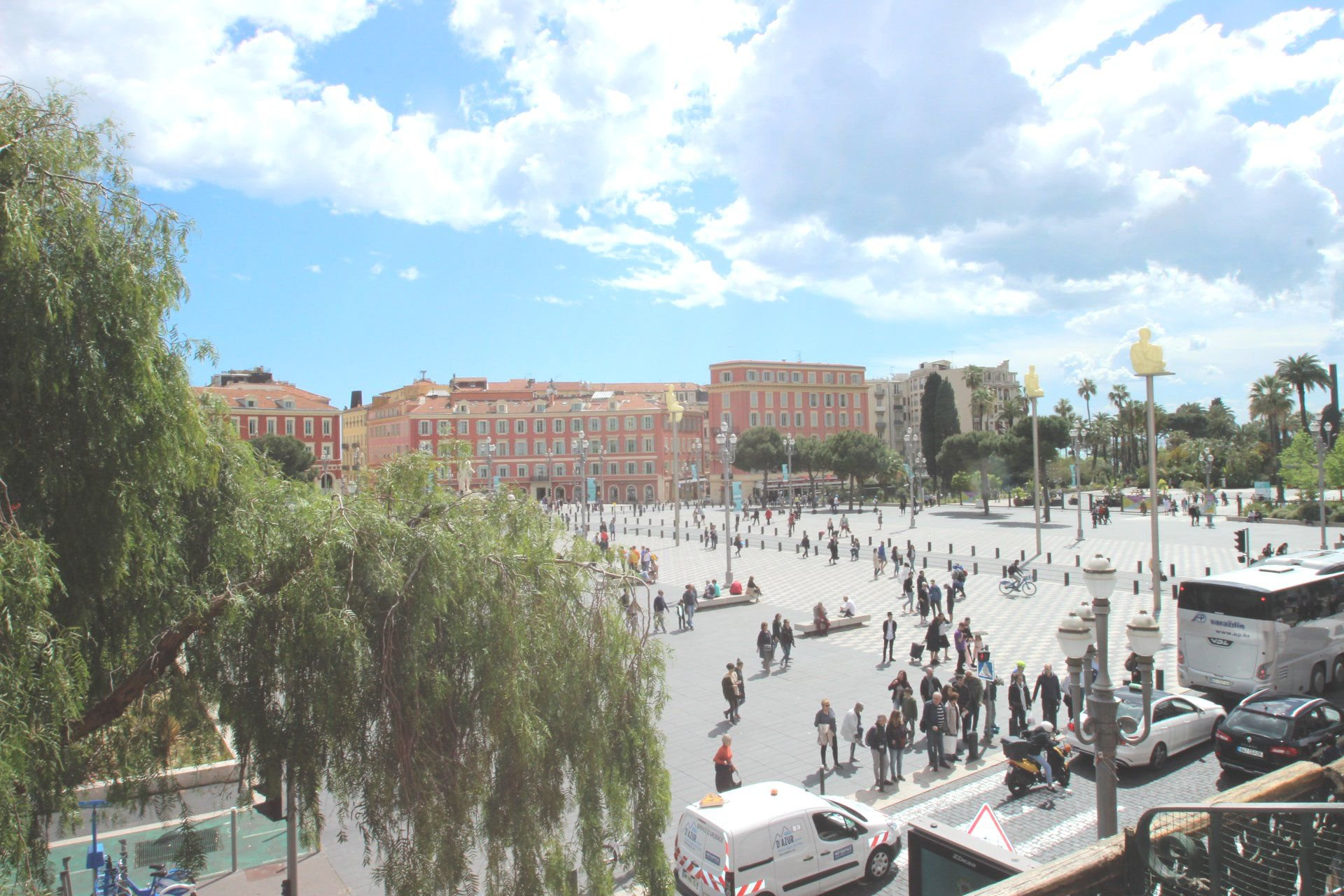 PLACE MASSENA/ 2 /3 PIECES / BALCON/ VUE DEGAGEE