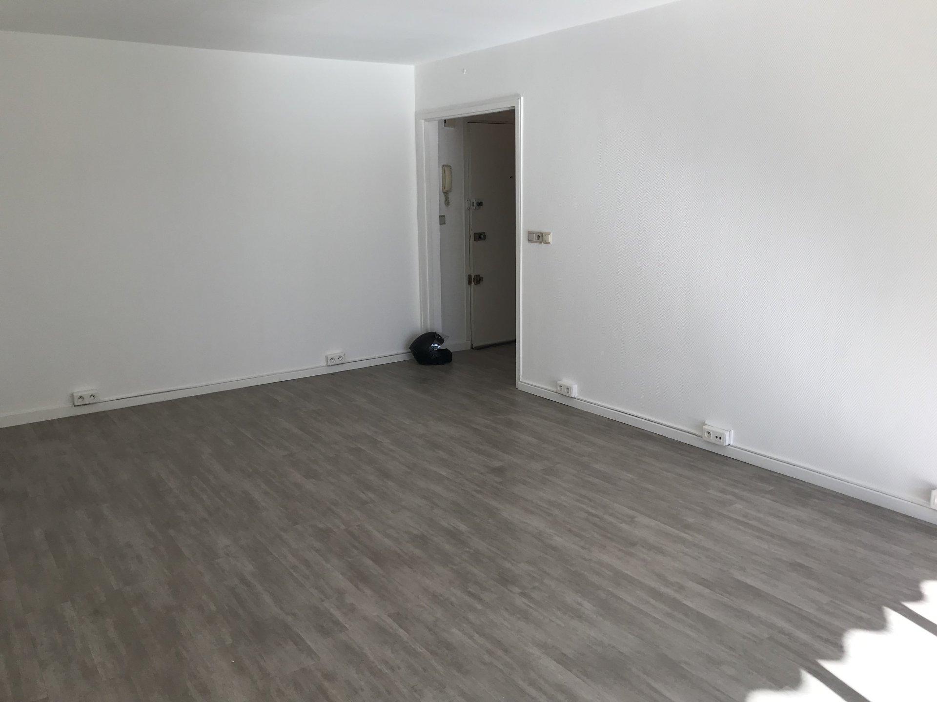 Location vide - Cimiez - 3 pièces avec garage