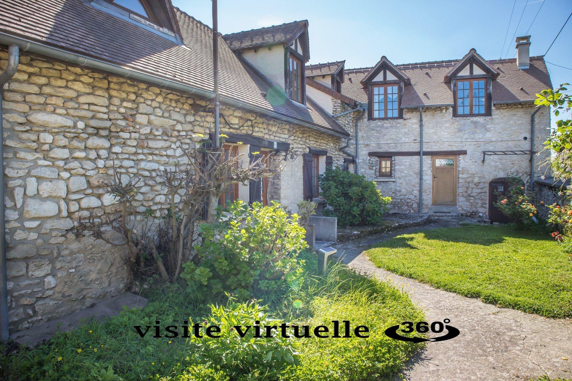 Maison ancienne centre village