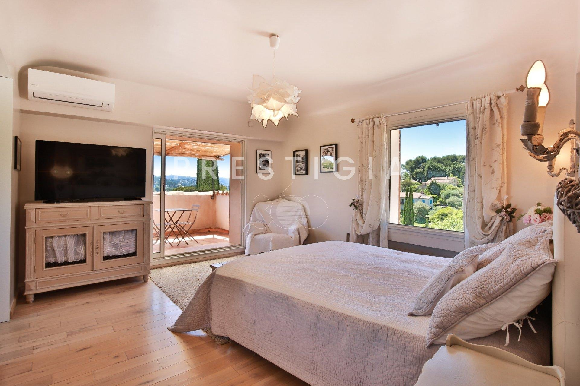 CHARMING PROPERTY WITH PANORAMIC VIEW
