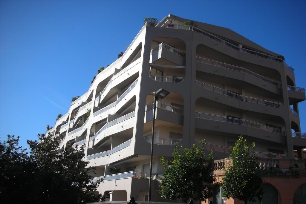 2 PIECES 38,07 m²