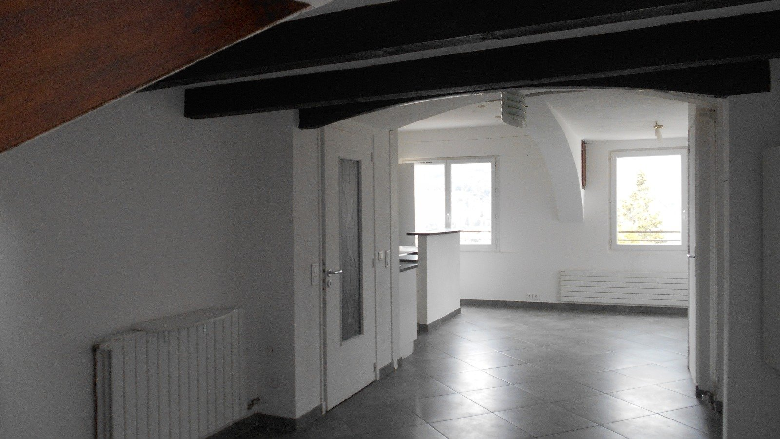 2 PIECES 49,76 m²