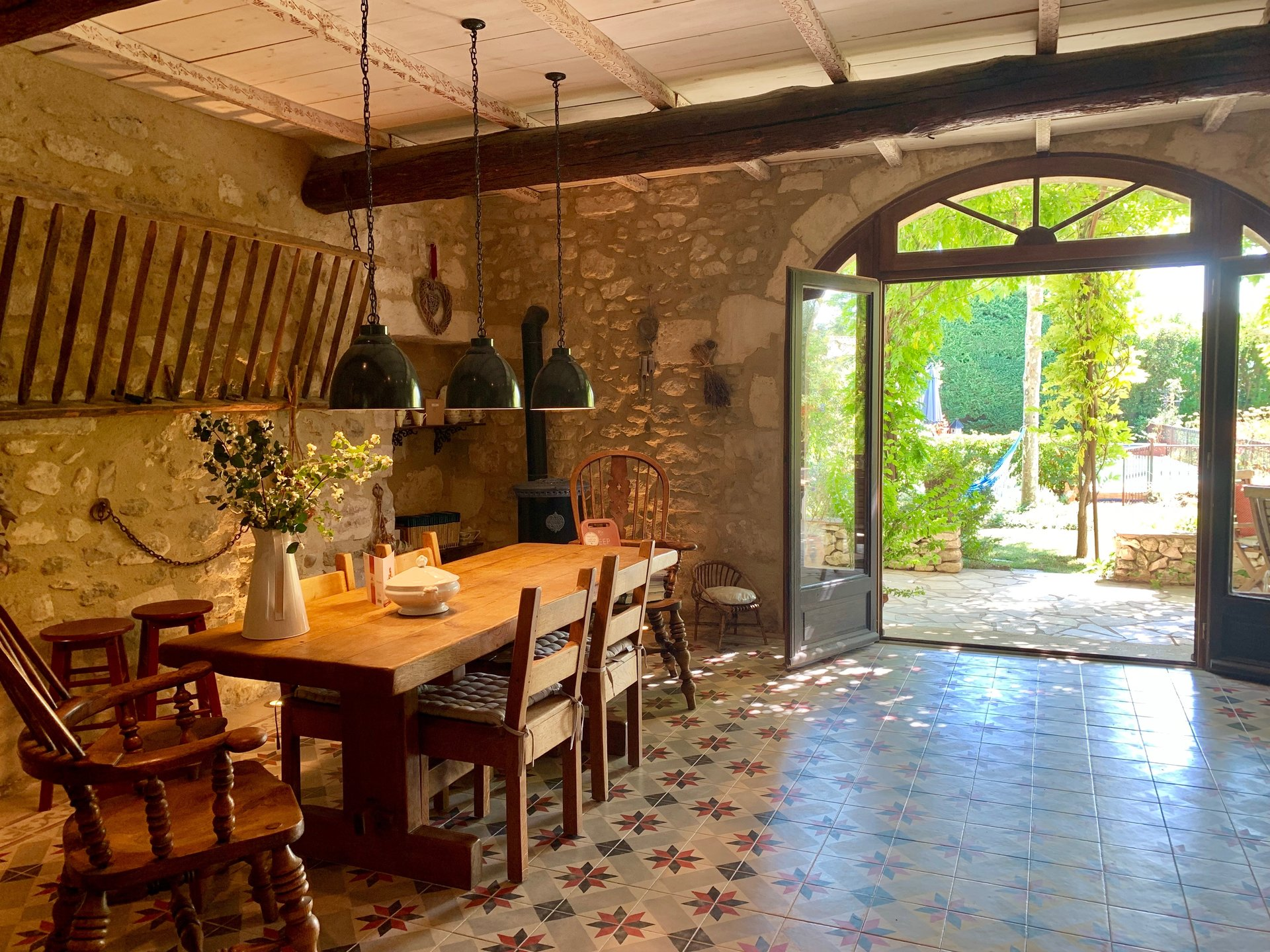 FOR SALE STONE FARHOUSE NEAR SAINT-REMY-DE-PROVENCE