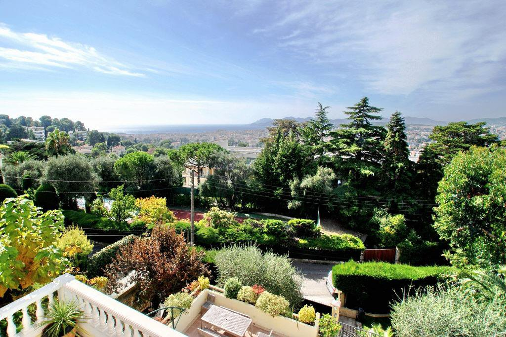 LE CANNET VICTORIA - BRIGHT AND SELECT VILLA