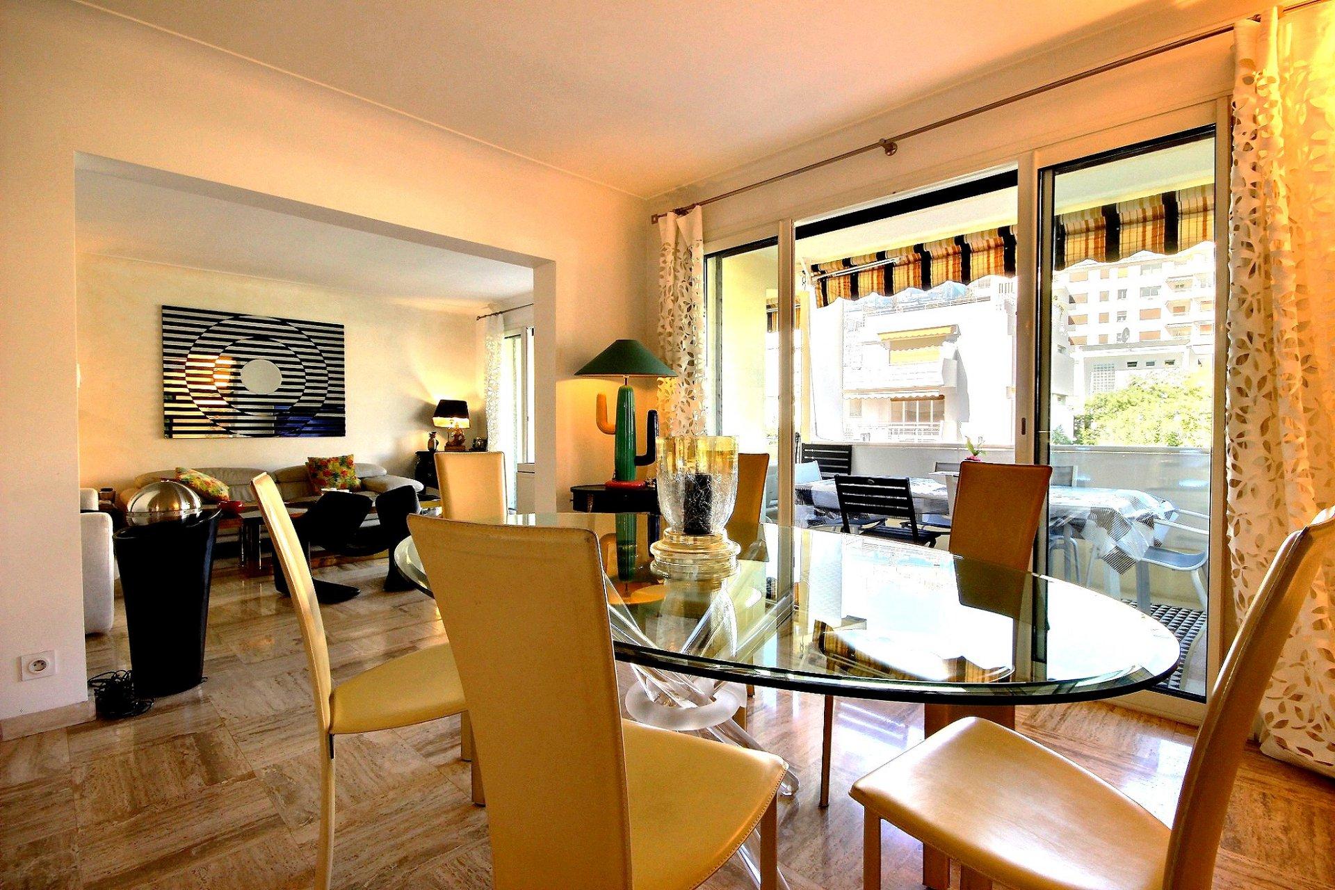 Cannes Palm Beach proche plages et croisette 3 pièces à vendre