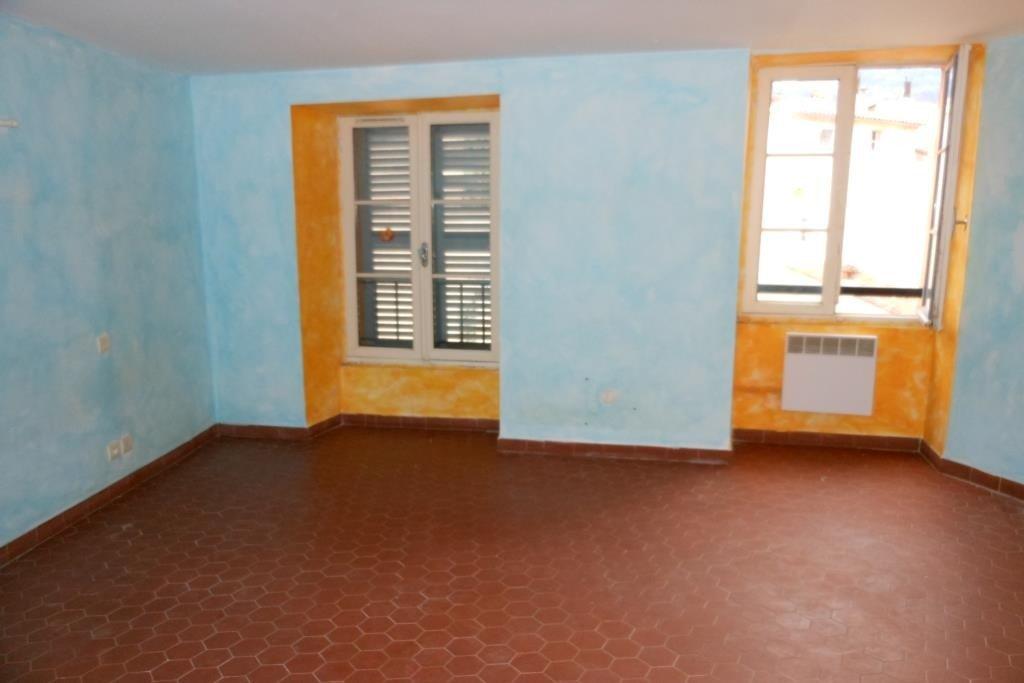 Grasse centre - Appartement en duplex - composé d'un vaste séjour avec cuisine ouverte, 2 chambres, ...