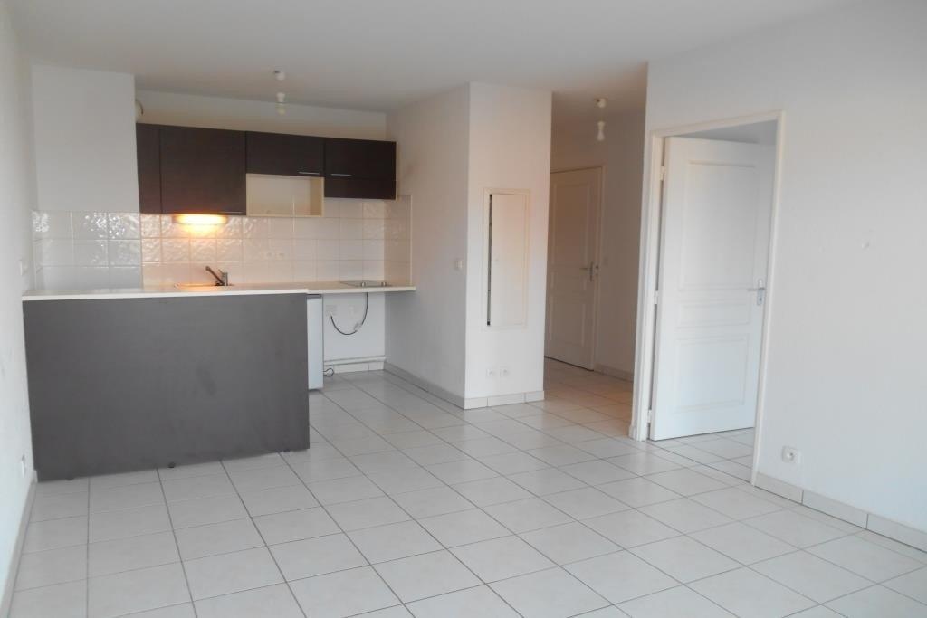 2 PIECES 37,35 m²