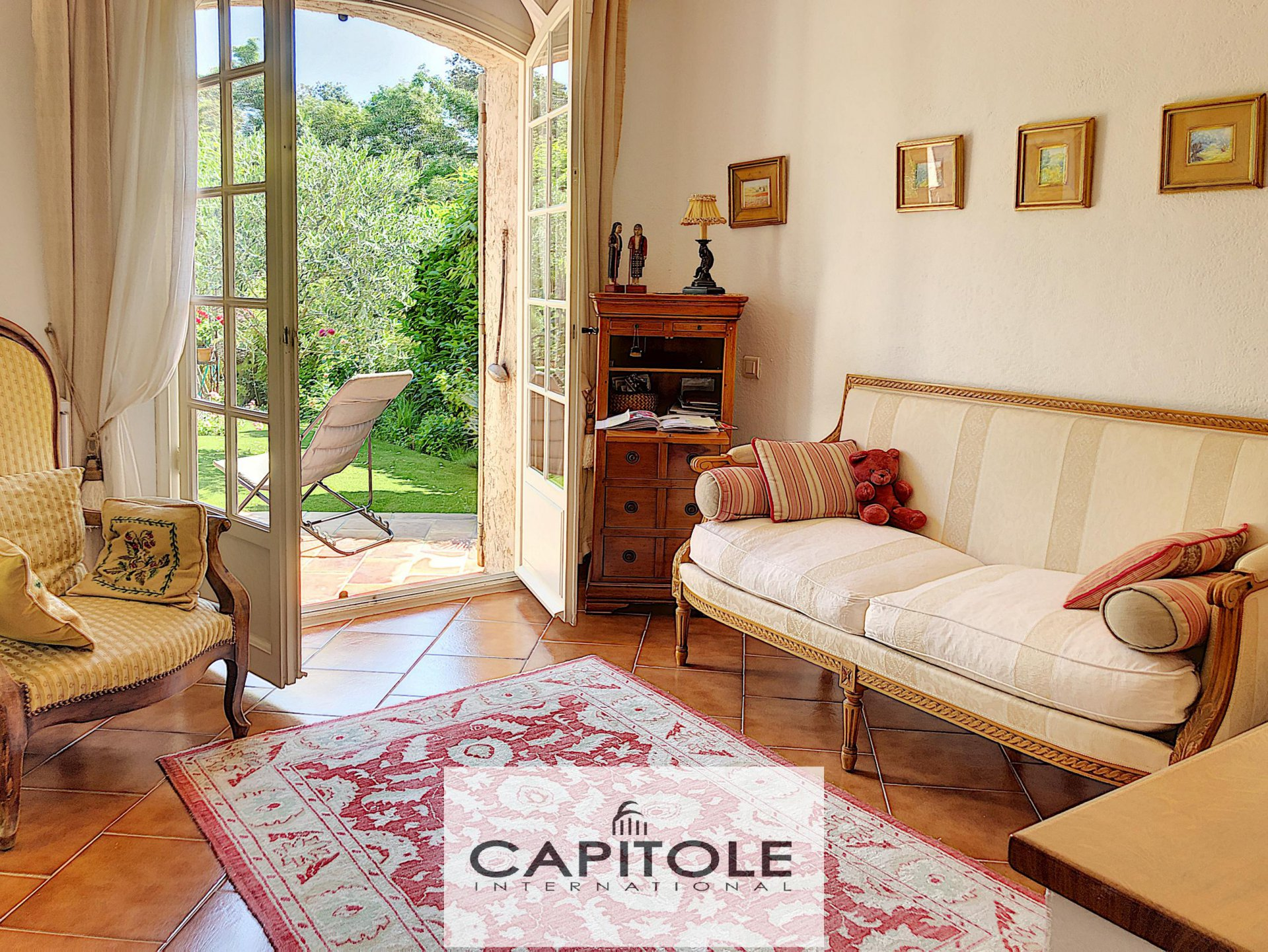 For sale, Antibes heights, superb 4 bedroom villa, garage, private domain