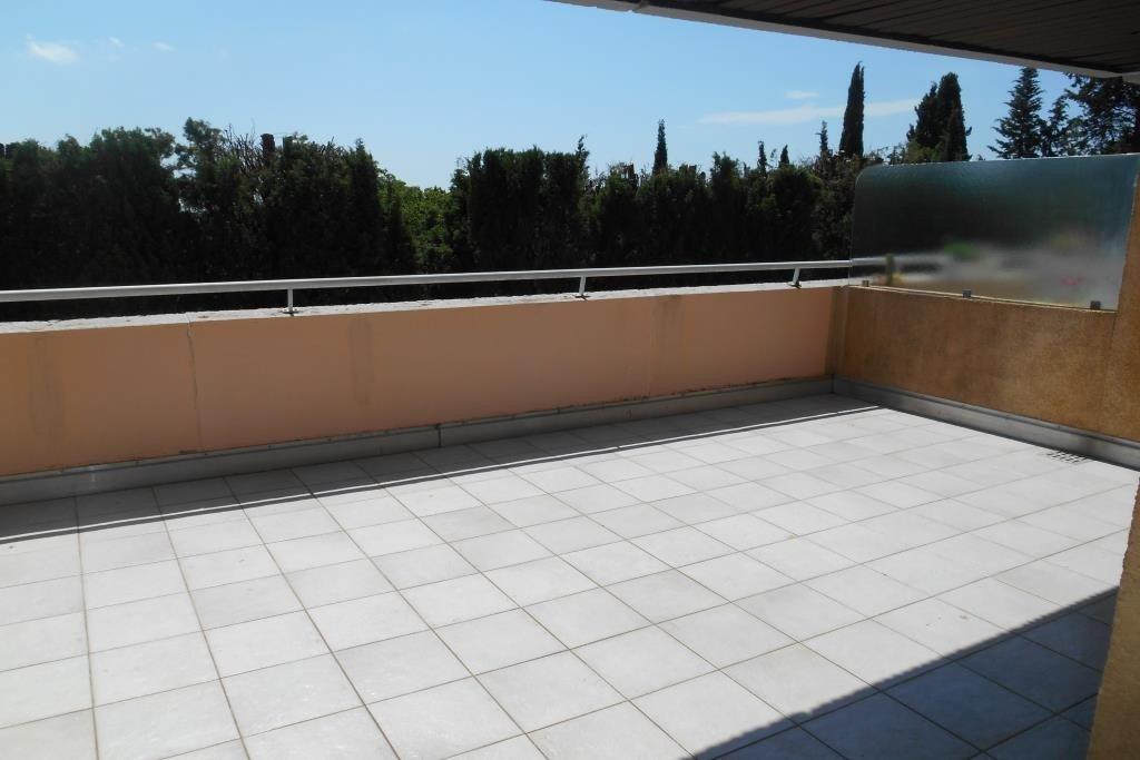 Grasse Est : dans résidence fermée avec piscine - 2 pièces de 40 m² avec grande terrasse
