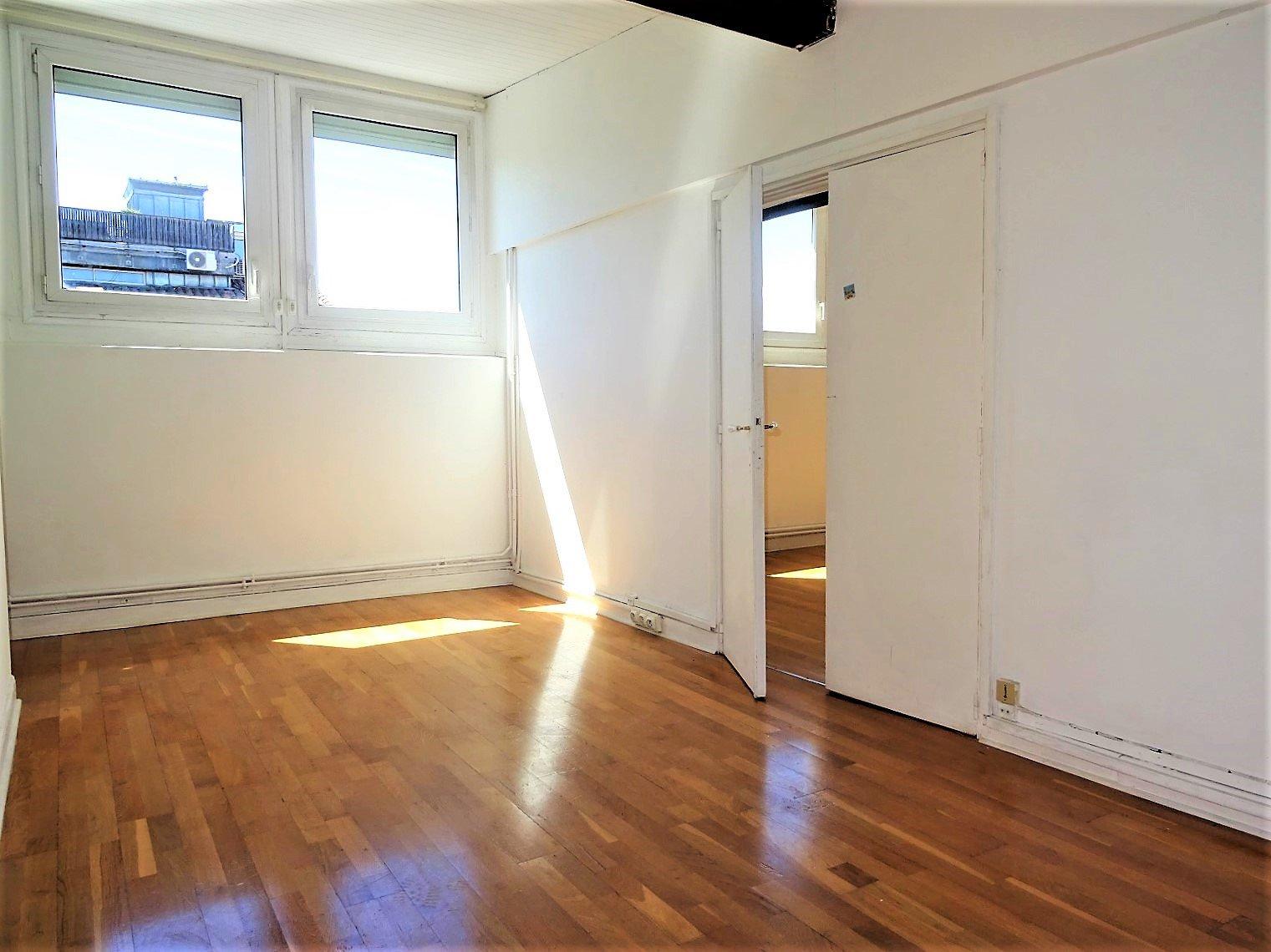 Carmes, T3 bis traversant de 88 m²