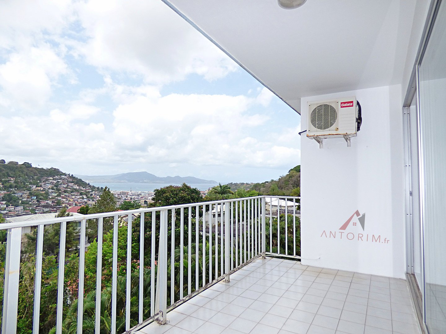 EXCLUSIVITE - Balata - Beau T3 - Terrasse - Vue Mer - Cave - Parking