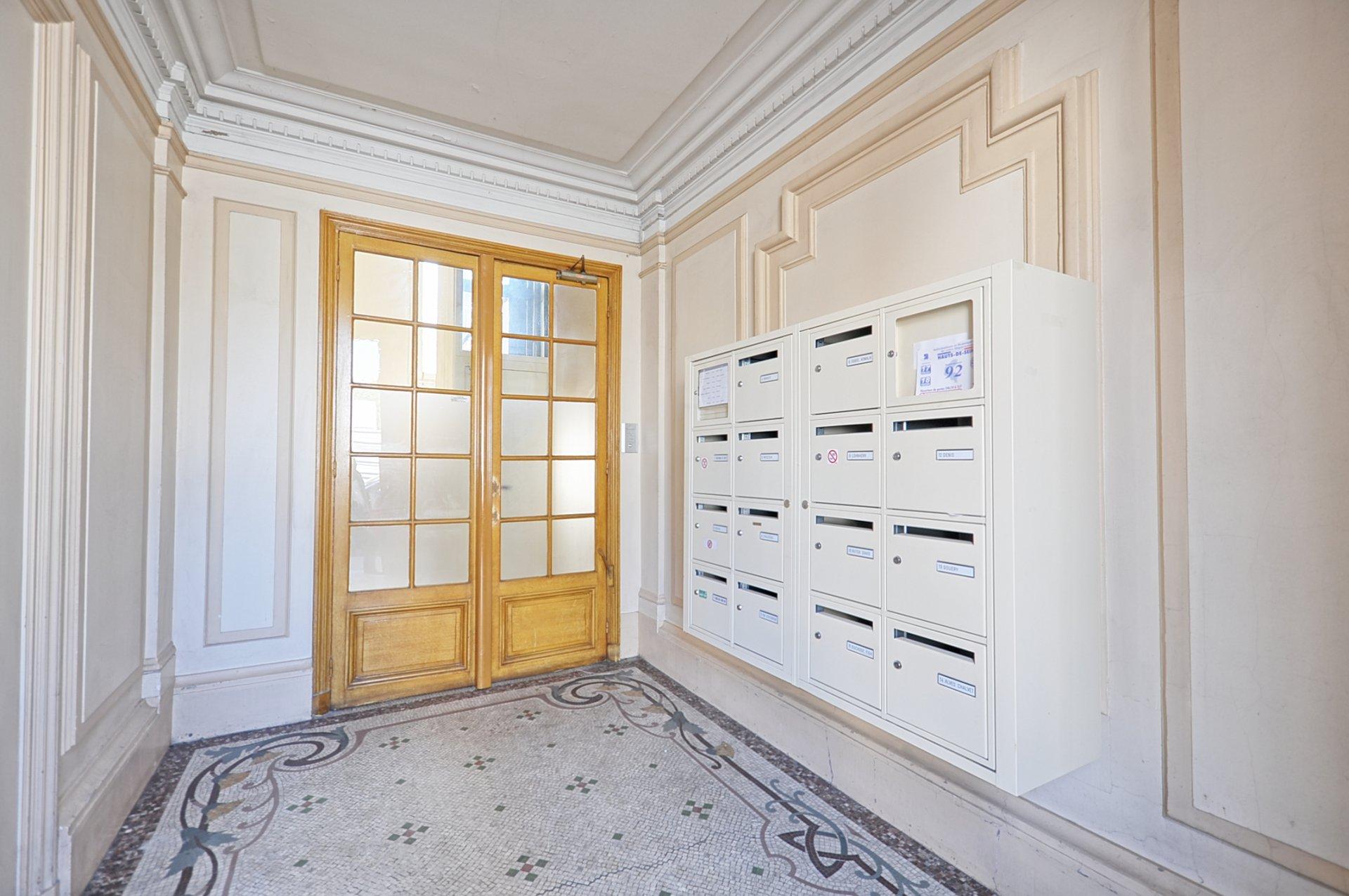 Silly/Galliéni - Grand 2p - étage élevé avec ascenseur