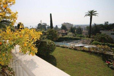 superbe appartement Cannes basse californie résidence avec piscine