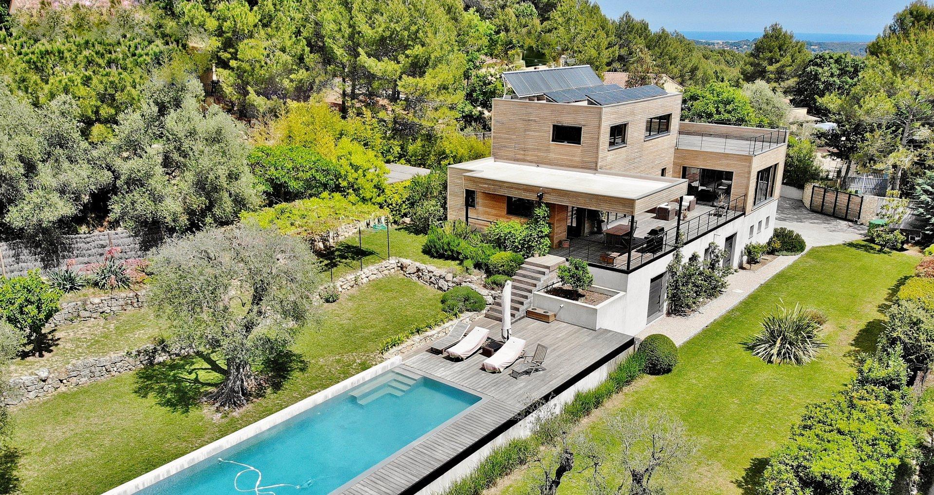 OPIO - Magnifique villa contemporaine en bois.